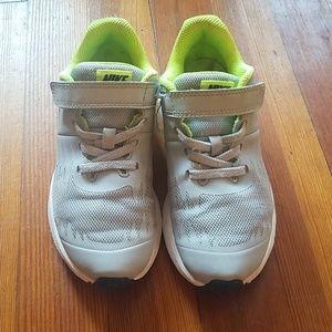 Nike Run boy